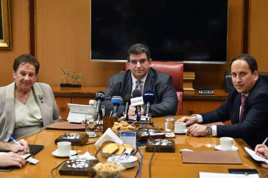 Τεράστια δωρεά της καπνοβιομηχανίας «Καρέλια» στη μάχη κατά του κορονοϊού