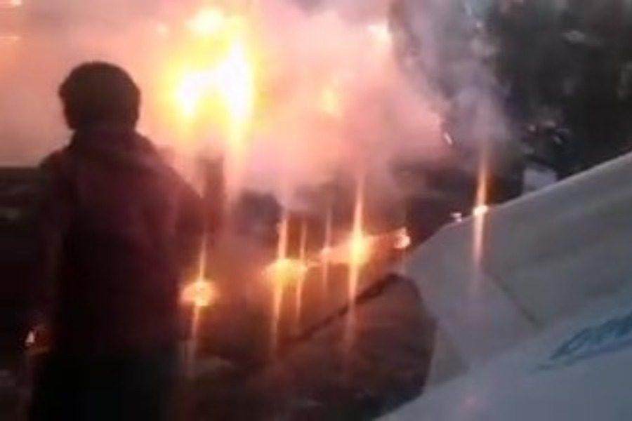 Κάηκαν δυο σκηνές στον καρά Τεπέ