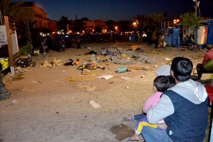 Δικάζονται τα θύματα της ρατσιστικής επίθεσης στην πλατεία Σαπφούς