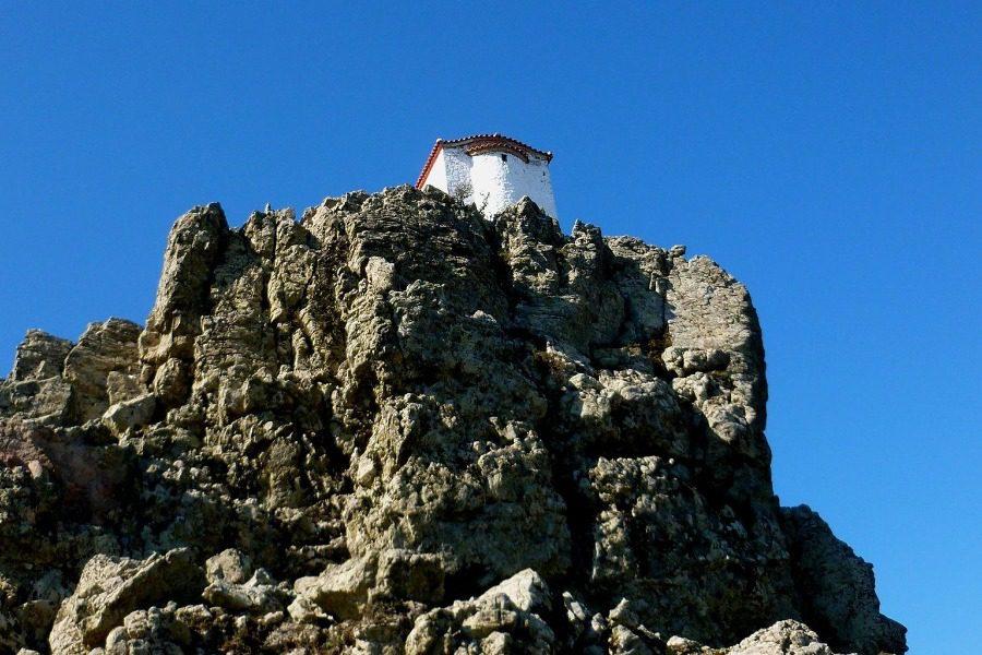 Από το γραφικό Υψηλομέτωπο στην παραδεισένια κορυφή του Λεπέτυμνου