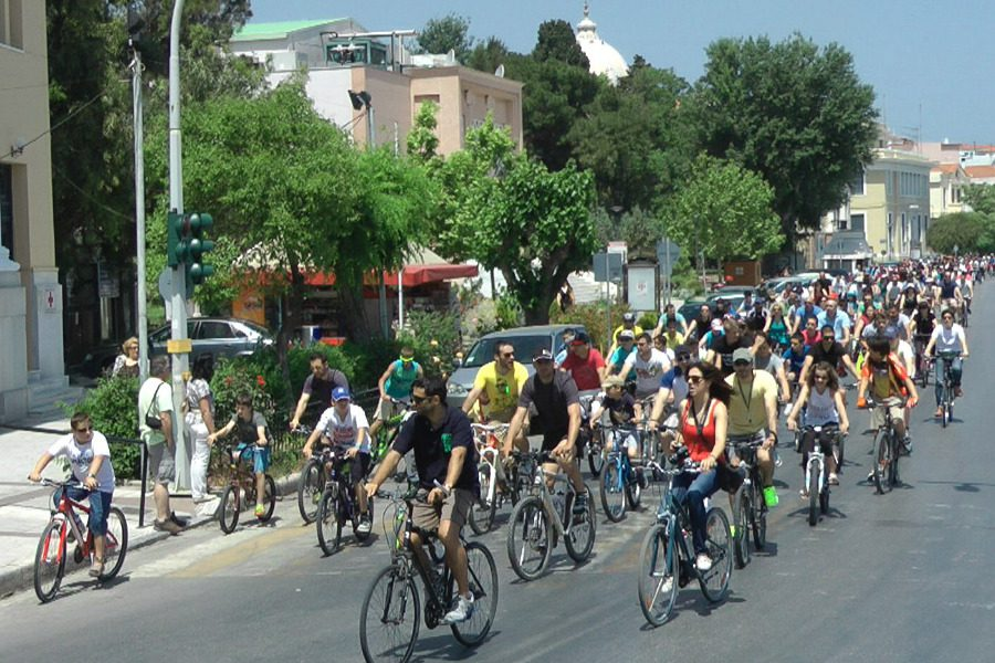 Ζητούνται ασφαλείς ποδηλατόδρομοι και χώροι μετακίνησης για όλους