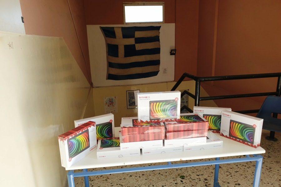 15 Tablets από τη ΜΚΟ «Συμπαράσταση Λέσβου» στο 1ο Γυμνάσιο Μυτιλήνης