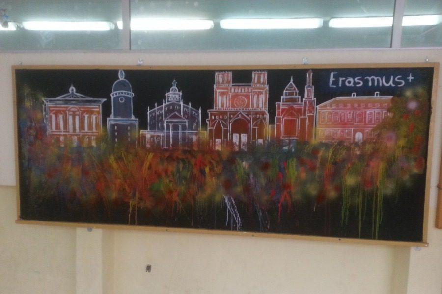 Γωνιές Erasmus στο σχολείο του Πολιχνίτου!