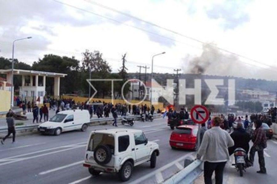 Έσπασαν αυτοκίνητα και χτύπησαν πολίτες οι άνδρες των ΜΑΤ στην Παγανή