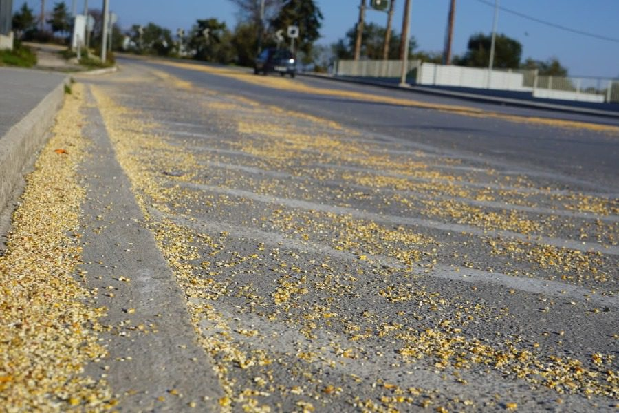 Χύθηκε νταρί στο δρόμο Μυτιλήνης‑Παναγιούδας