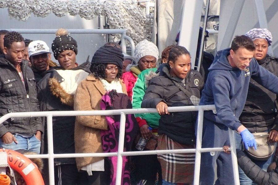 56 αιτούντες άσυλο από τη Σάμο στη Μυτιλήνη