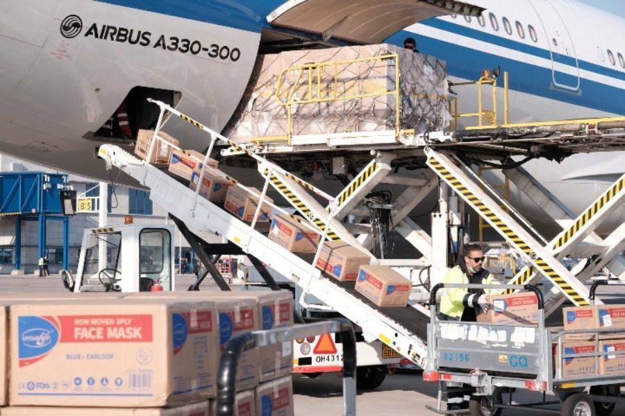 18 τόνους υγειονομικό υλικό έστειλε η Κίνα στη χώρα μας