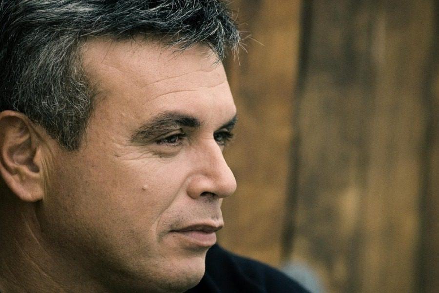 O σπουδαίος ερμηνευτής Μανώλης Λιδάκης στο Κτήμα Οινοφόρος