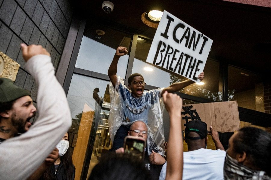 Ο εφιάλτης της ρατσιστικής αστυνομικής βίας στις ΗΠΑ