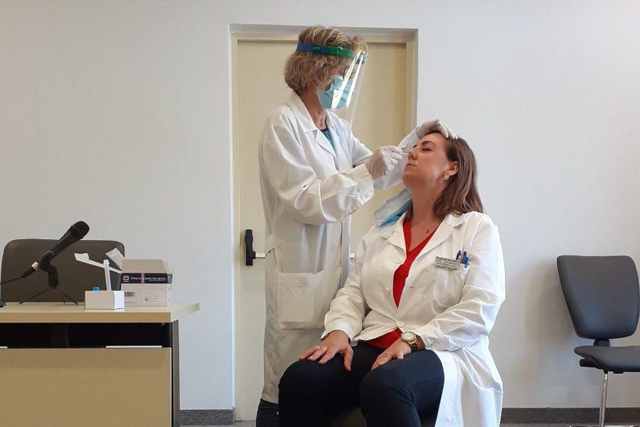 Εκπαιδεύτηκαν γιατροί και νοσηλευτές στα ταχεία τεστ Covid