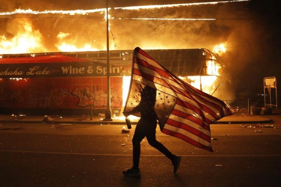 «Τι είναι αυτό που η Αμερική δεν θέλει να ακούσει;»