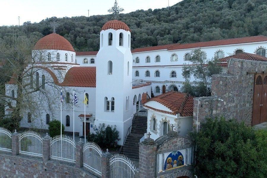 Απευθείας από την Ι.Μ.Αγίου Ραφαήλ η Πανηγυρική Θεία Λειτουργία για την εορτή των Αγίων Ραφαήλ, Νικολάου και Ειρήνης