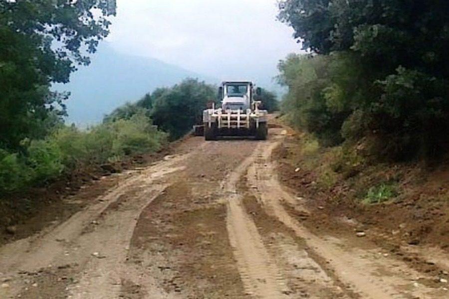 Μόνιμες παρεμβάσεις στην αγροτική οδοποιία από τη Δυτική Λέσβο