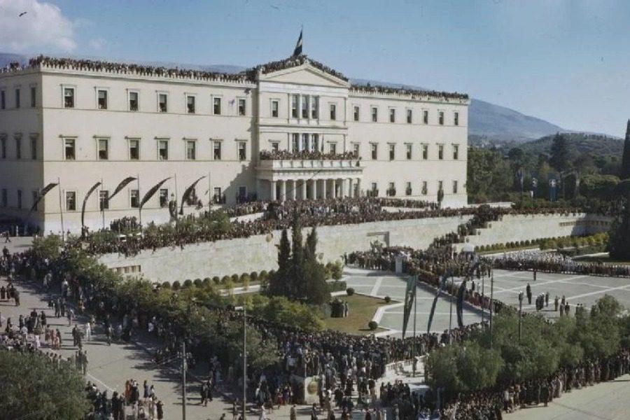 H ταινία ντοκουμέντο της Finos Film για την απελευθέρωση της Αθήνας, απαγορευμένη κι αργότερα χαμένη για 55 χρόνια