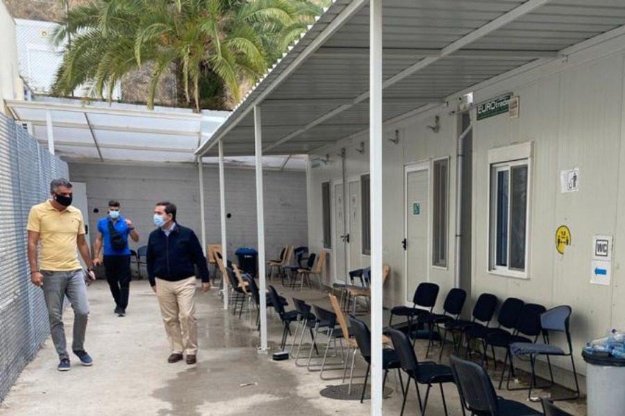 Eπίσκεψη Μηταράκη στην Υπηρεσία Ασύλου Λέσβου