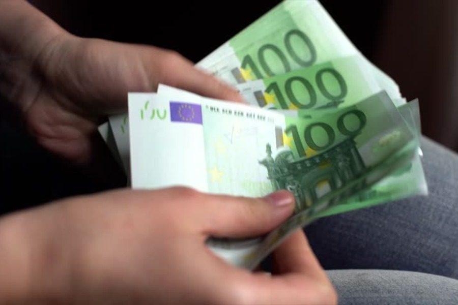 Ανοιξε η πλατφόρμα για τα 800 ευρώ
