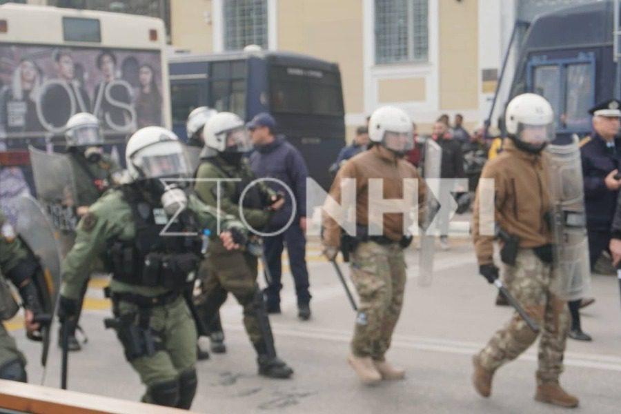 Διέλυσαν τη διαμαρτυρία Αστυνομία και Λιμενικό