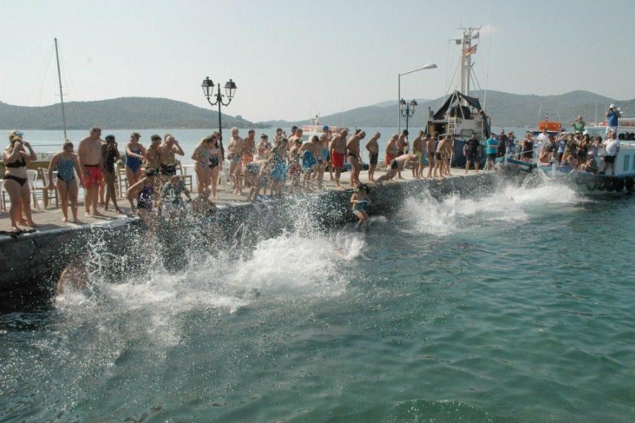 10ος κολυμβητικός διάπλους του κόλπου Γέρας
