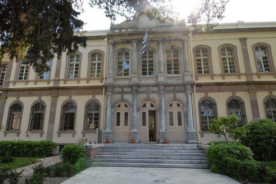 Ζήτω η Ελληνική Δικαιοσύνη! Ελεύθερος ο νταής της Προκυμαίας