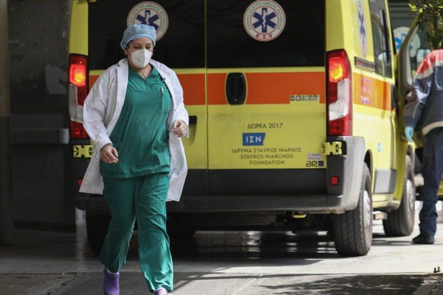 Έκρηξη κρουσμάτων κορονοιού στη Λέσβο. Εννέα ασθενείς σε 24 ώρες