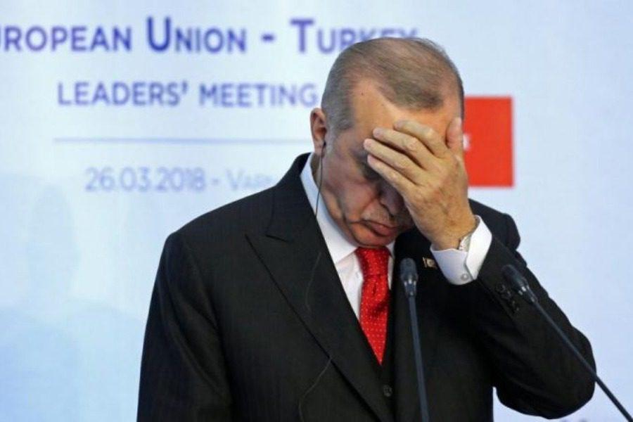 Όλοι οι άνθρωποι του Τούρκου προέδρου είναι τώρα εναντίον του