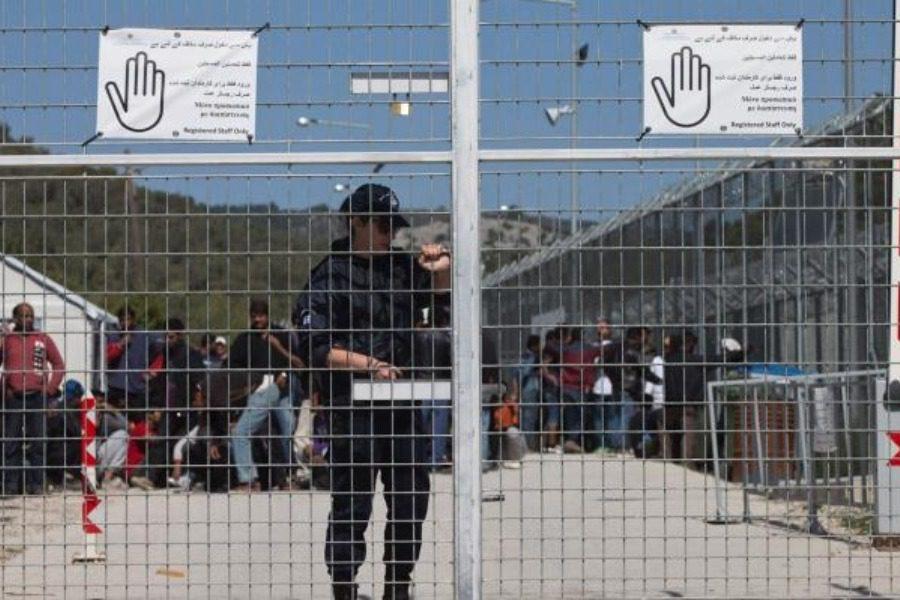 «Όχι» στην κατασκευή κλειστών hot spots σε νησιά του Αιγαίου