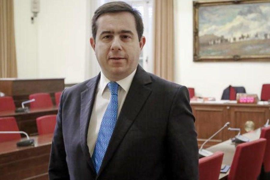 600 ευρώ ξόδεψε η Περιφέρεια για τις δυο ώρες Μηταράκη στη Λέσβο