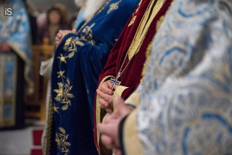 Ανεμβολίαστοι 30 στους 80 ιερείς της Μητρόπολης Μυτιλήνης