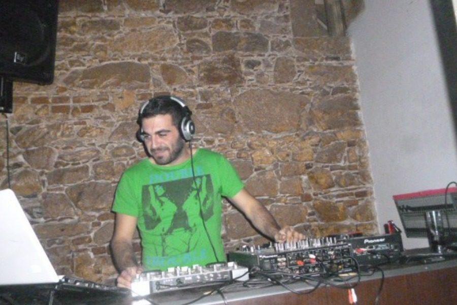Σήμερα Κυριακή όλοι οι DJ για τον Dj