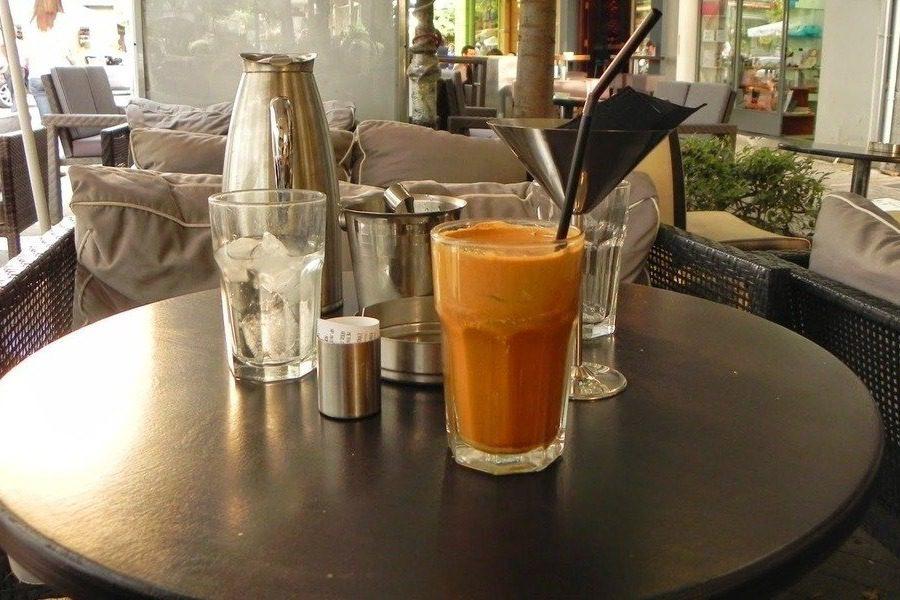 «Να φύγουν τα παιδιά από τις καφετέριες!»
