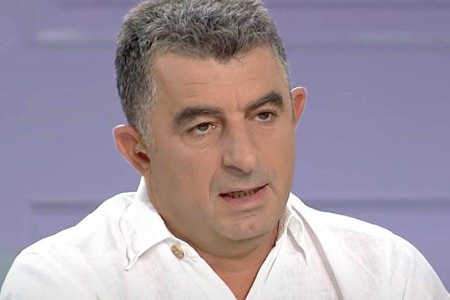 Δολοφόνησαν το δημοσιογράφο Γιώργο Καραϊβάζ