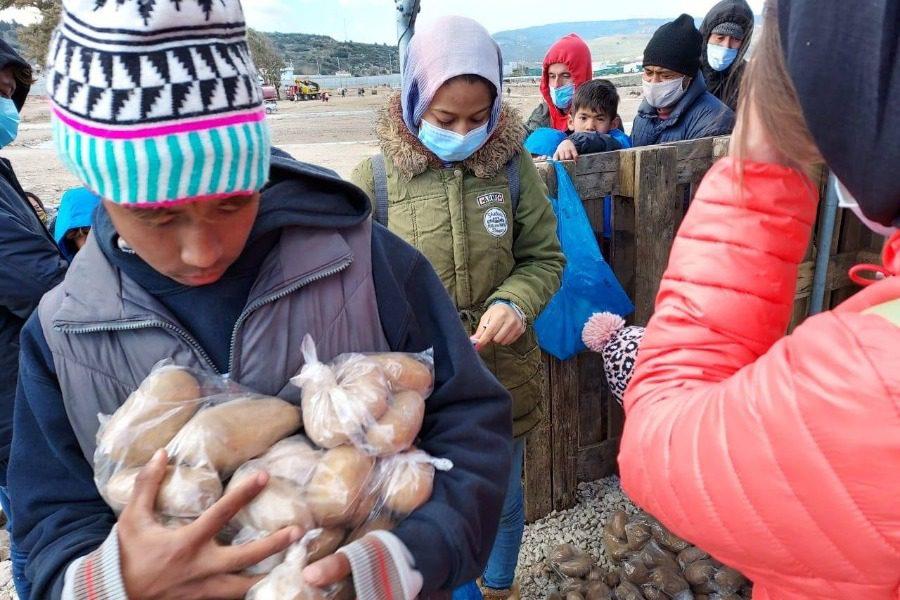 Λέσβιοι θέλουν να πάρουν σπίτια τους πρόσφυγες λόγω του παγετού