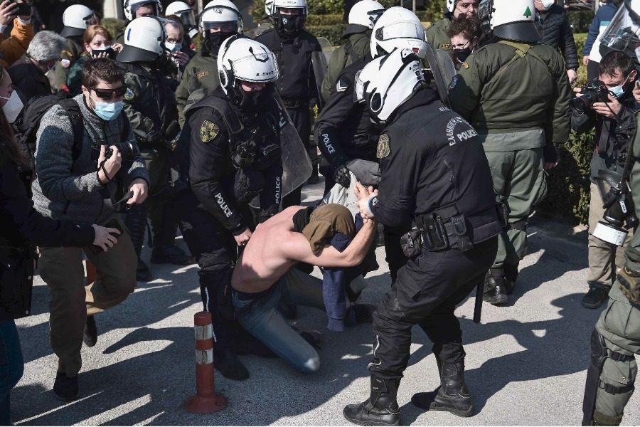 Στο πλάι των αγωνιστών φοιτητών η Ενωση Ιδιωτικών Υπαλλήλων Λέσβου