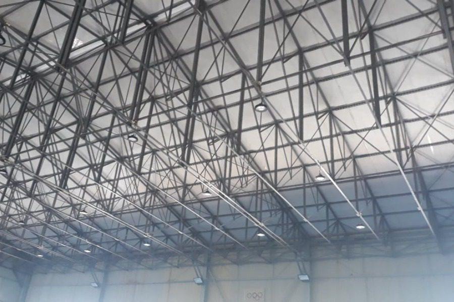 Τι γίνεται με τη στέγη του κλειστού γυμναστηρίου της Νεάπολης;
