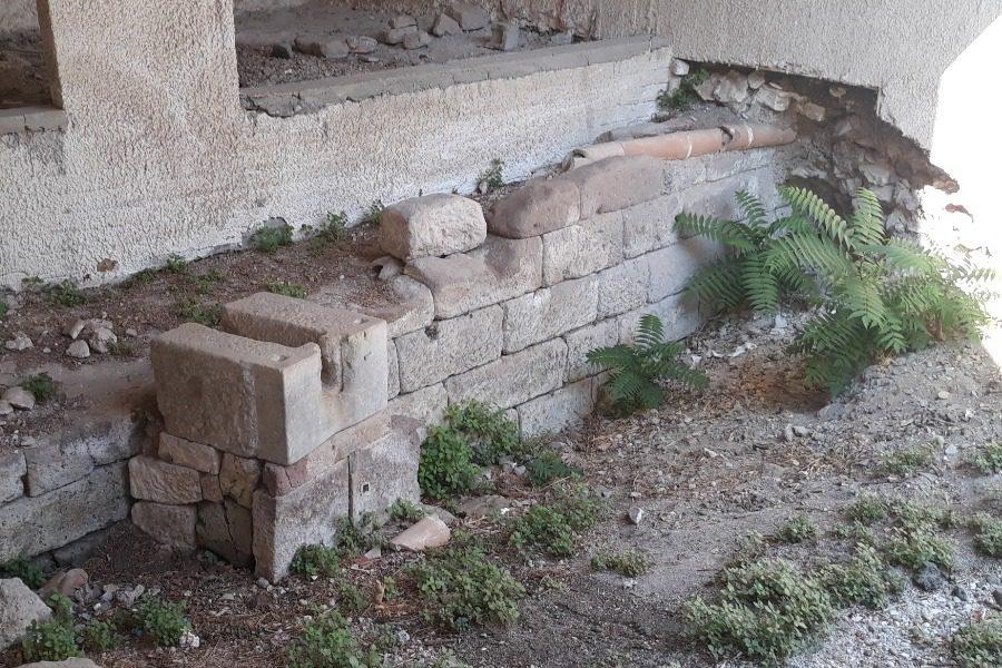 Με αφορμή μια αρχαία κρήνη (στο κέντρο μιας χωματερής)