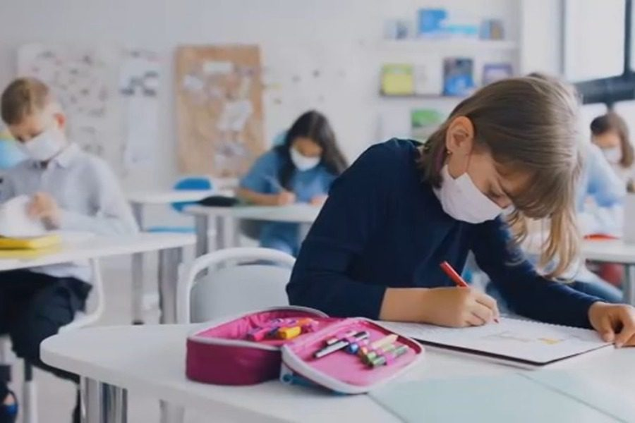Παρέμβαση εισαγγελέα για τους αντιεμβολιαστές που μηνύουν εκπαιδευτικούς