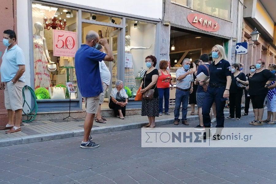 Έλεγχοι της αστυνομίας για τη χρήση μάσκας