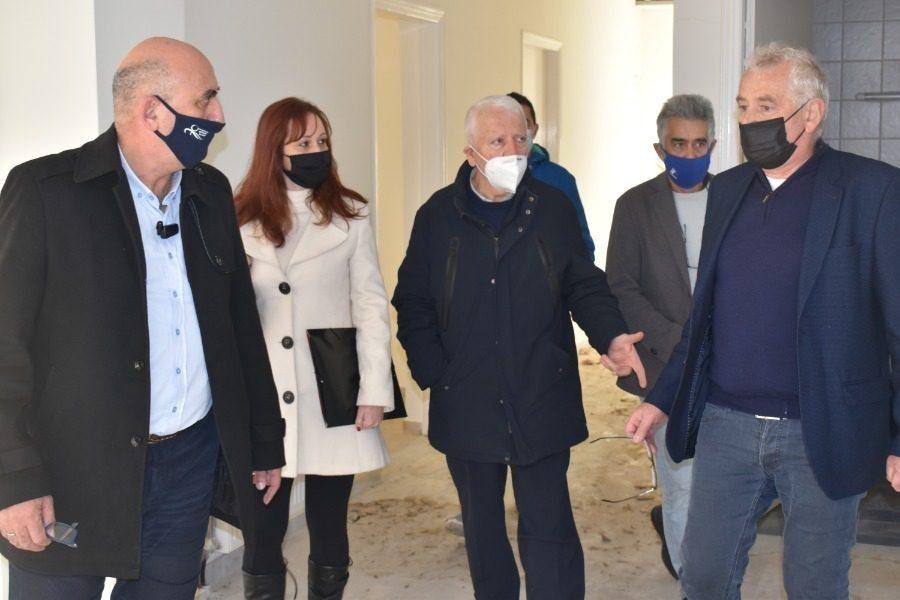 Ο Μουτζούρης χρηματοδοτεί την επισκευή του γηροκομείου Αντισσας