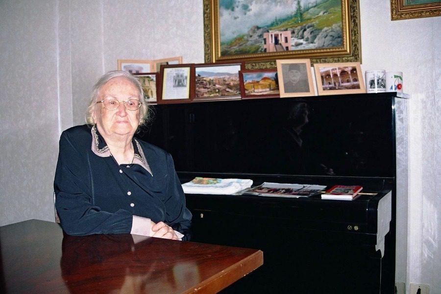 Η γιαγιά Μουζντάν πρόσφυγας από τη Μυτιλήνη
