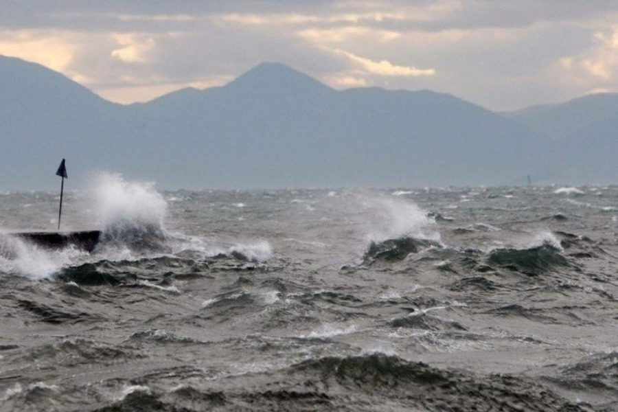 Δεν αναχώρησε το «Νήσος Σάμος» από Πειραιά για Χίο‑Μυτιλήνη