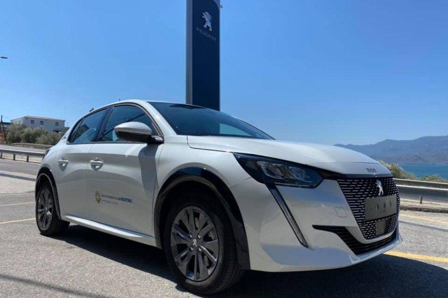 Το νέο πλήρως ηλεκτρικό Peugeot 208 στη Μυρσινιάς ΑΒΕΕ