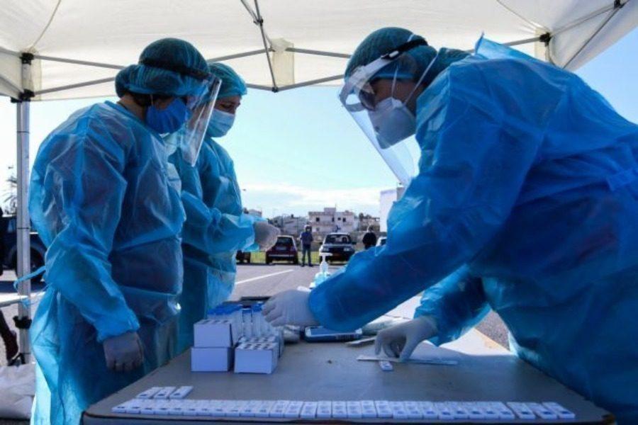 5 θάνατοι,147 διασωληνωμένοι,2.070 νέα κρούσματα