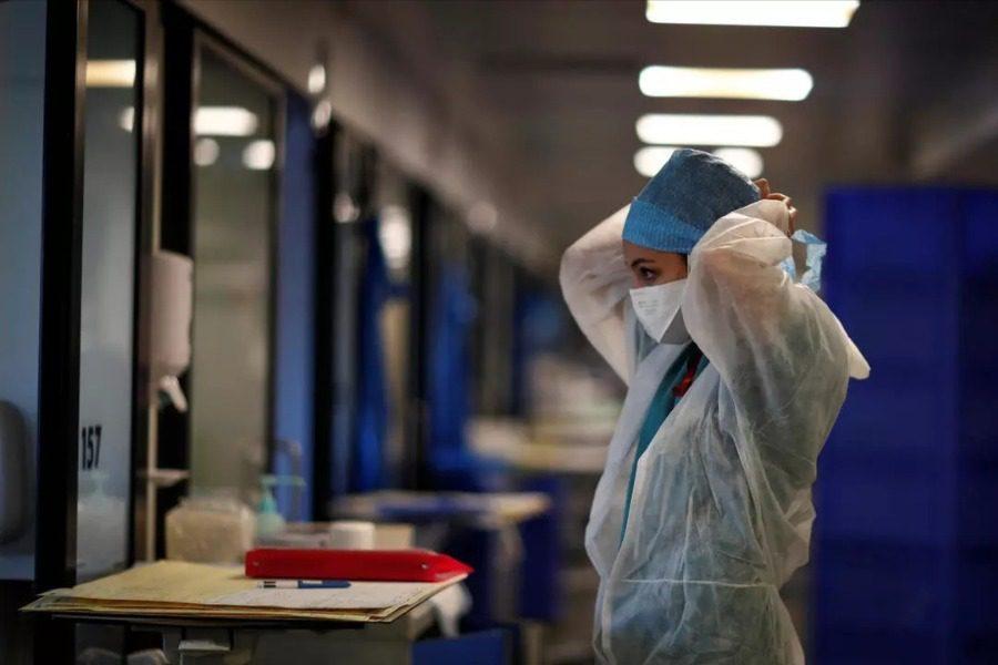 Έξι  κρούσματα κορονοϊού θύματα αντεμβολιαστή τραυματιοφορέα
