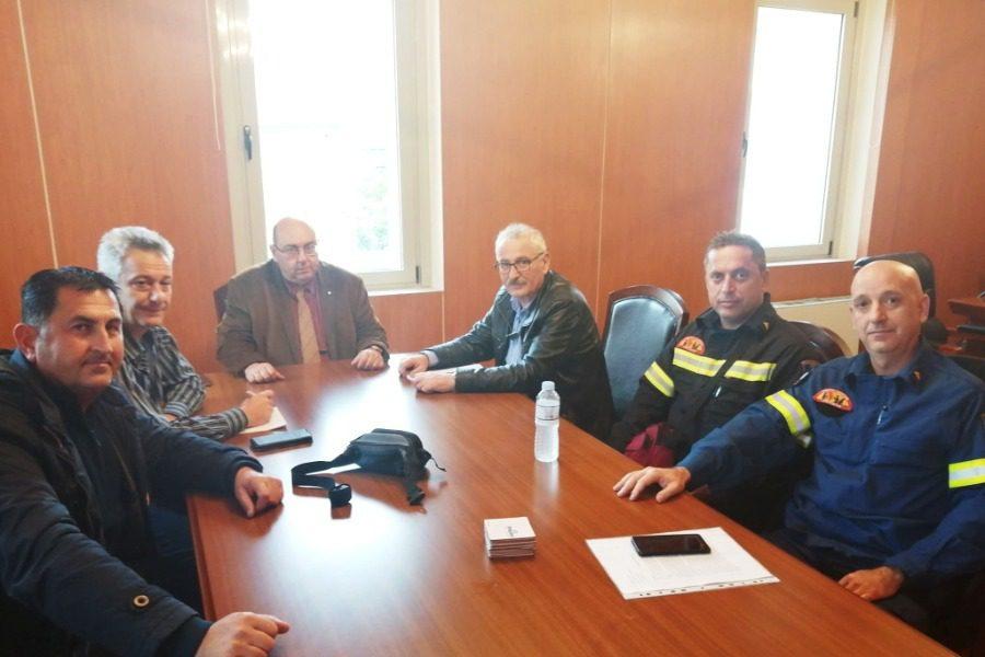 Mε εκπροσώπους των Πυροσβεστών ο Δήμαρχος Δυτικής Λέσβου