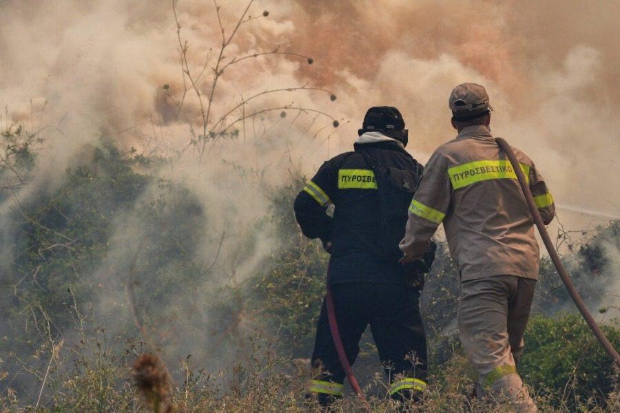 Mεγάλη δασική πυρκαγιά στη Σάμο