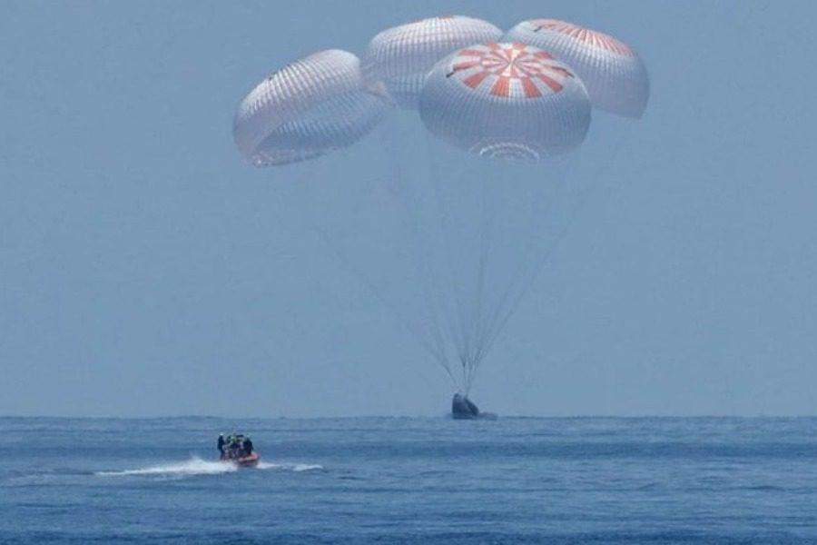Η προσθαλάσσωση των αστροναυτών της SpaceX
