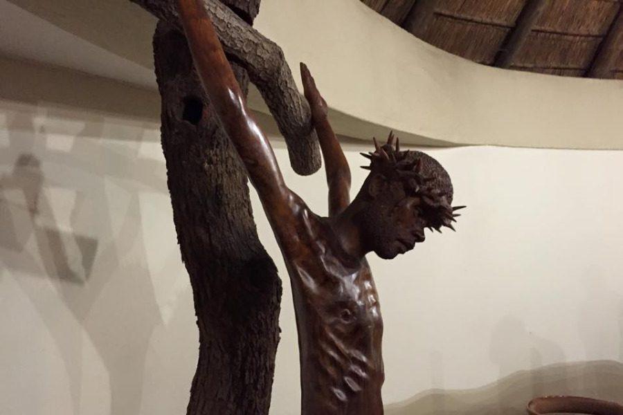ac07a4599c Ο Σταυρός του Χριστού είναι ανοιχτά χέρια κι όχι «σταυρός» σφιγμένη γροθιά