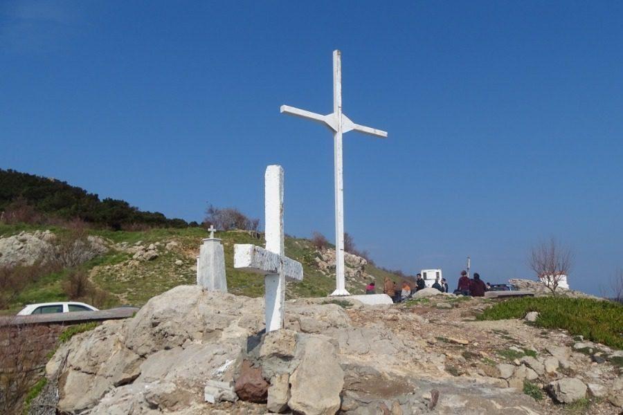 Τo επίμονο θάμβος του «σταυρού» τους