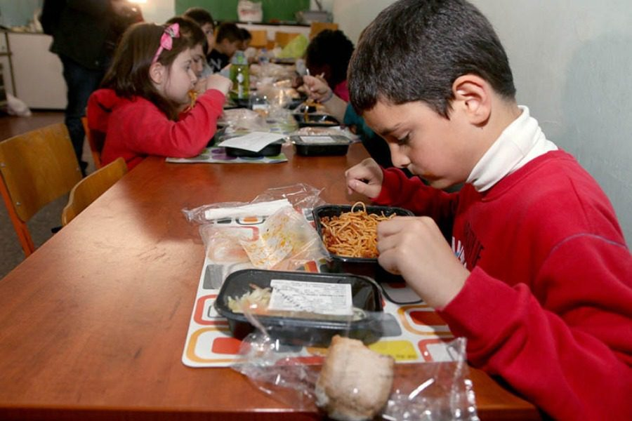 21 σχολεία της Λέσβου στα σχολικά γεύματα