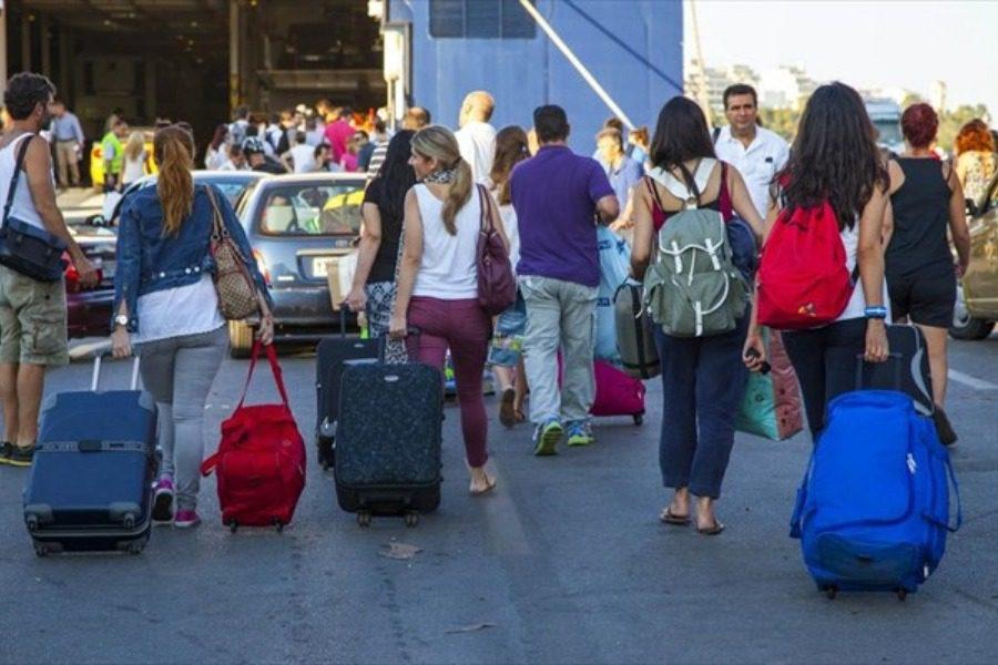 Ξεκίνησε η εφαρμογή της έκπτωσης 30% στα εισιτήρια Blue Star Ferries και Hellenic Seaways